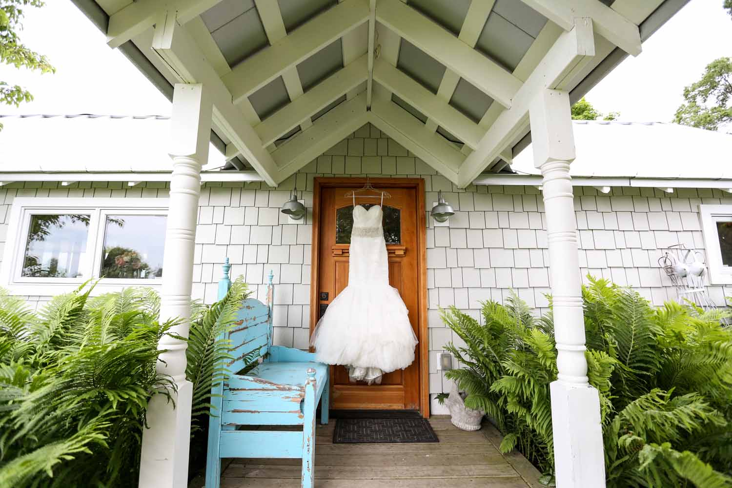 Wedding Dress | Blue Bench Accents | Farm House | Tableau Events