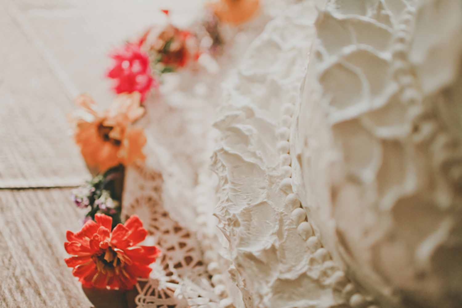 Lace | Flowers | Wedding Cake | Tableau Events