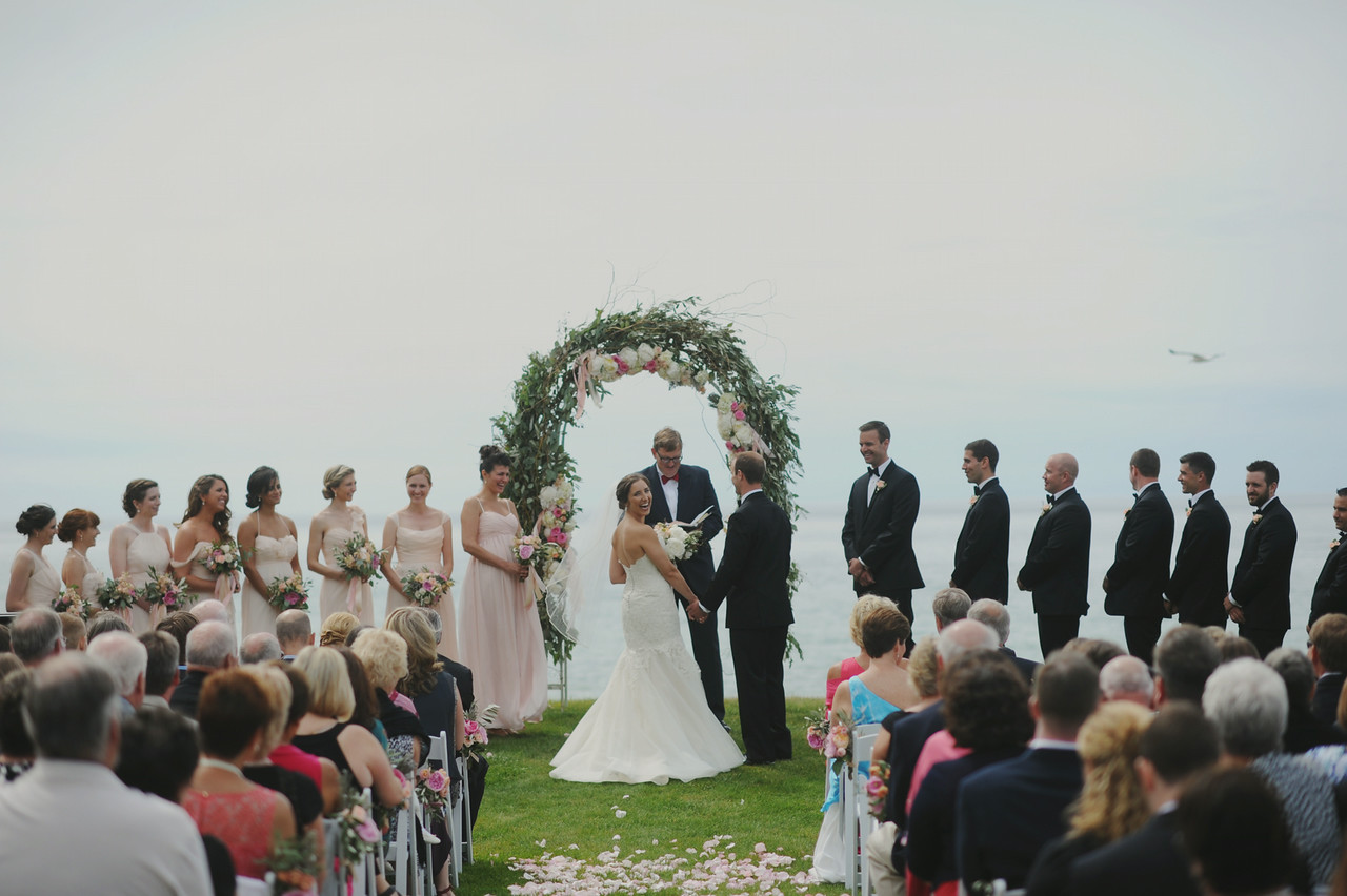 Alter Decor | Floral Arch | Lake Michigan | Tableau Events
