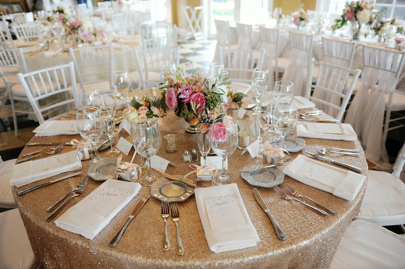 Gold and White Accents | Indoor Reception | Tableau Events