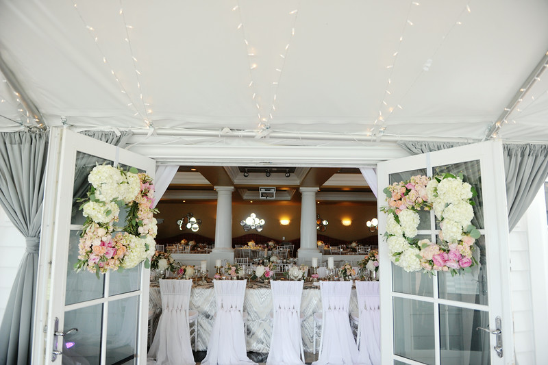 Floral Wreaths | Indoor and Outdoor Reception | Tableau Events