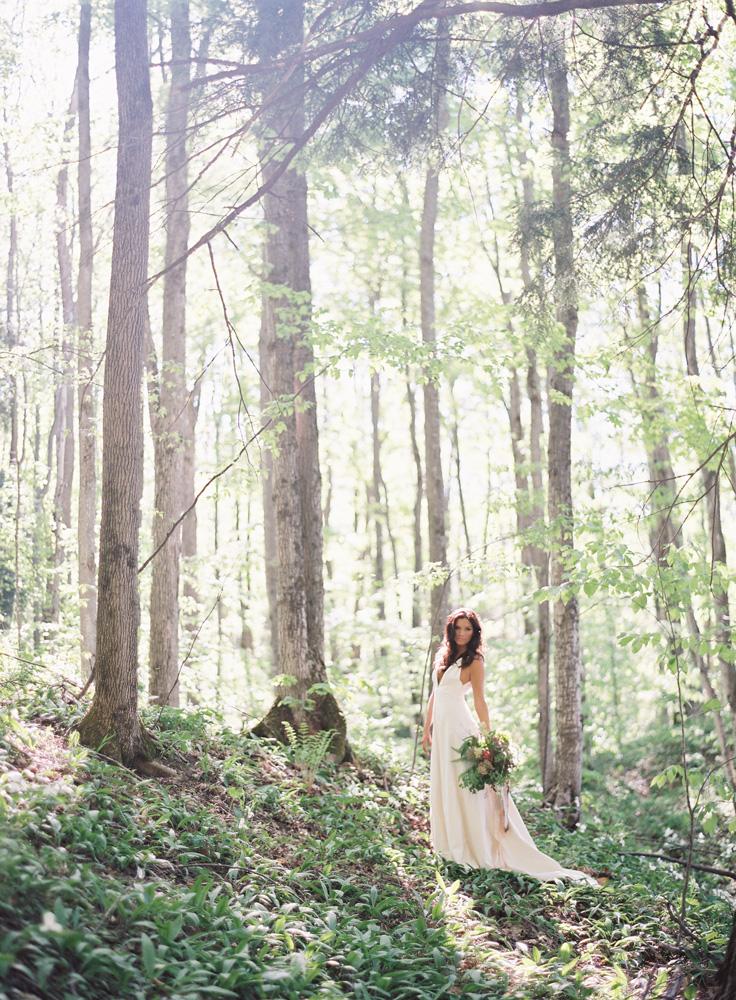 Forrest Bride   Northern Michigan Wedding   Tableau Events