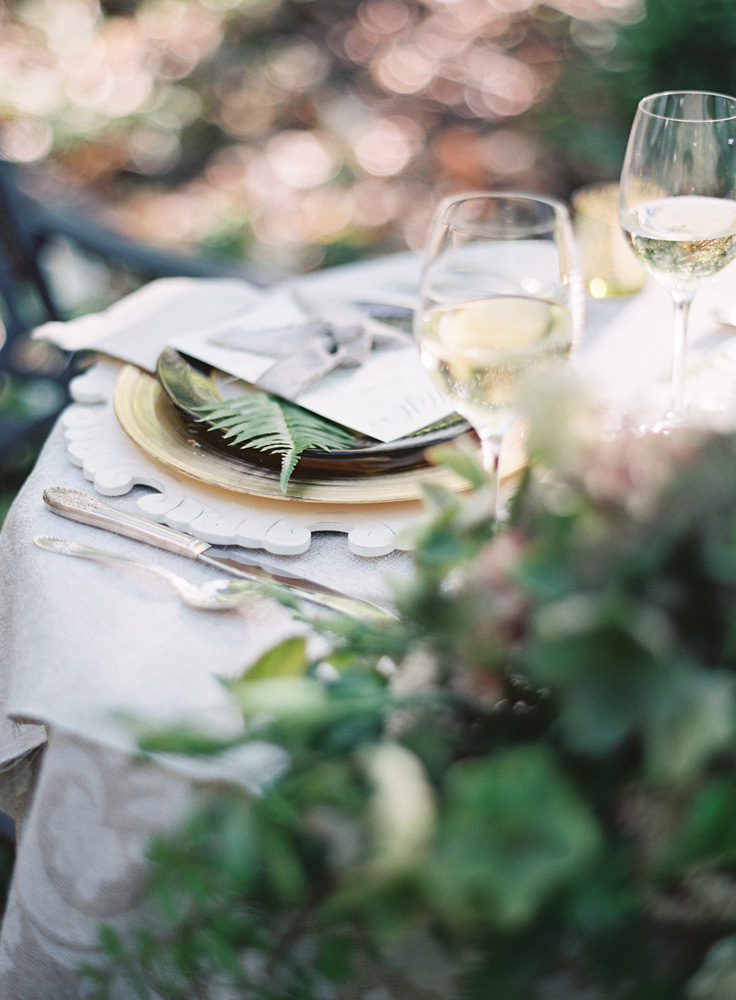 Northern Michigan Outdoor Table Decor | Wedding Design and Planning | Tableau Events