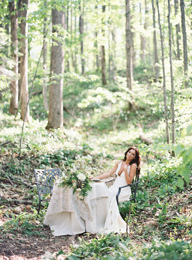 Trillium Styled Shoot Northern Michigan   Bloom Floral Design   Tableau Events