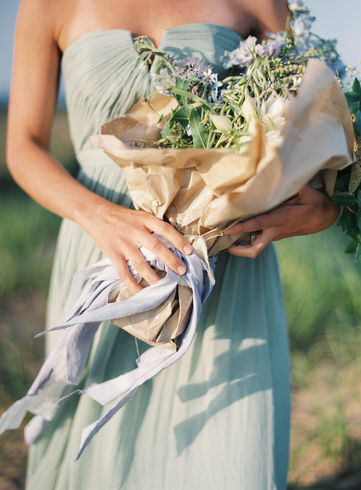 Northern Michigan Wedding Details | Simple Bouquet | Tableau Events