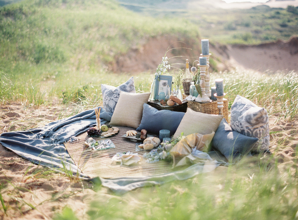 Picnic Display | Lounge Area | Northern Michigan Wedding Planning | Tableau Events