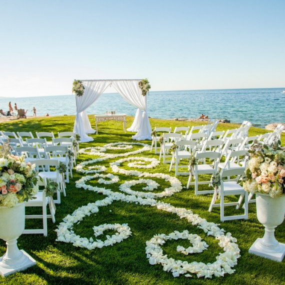 Aisle Decor | Flower Petals | Lake Michigan Wedding | Tableau Events