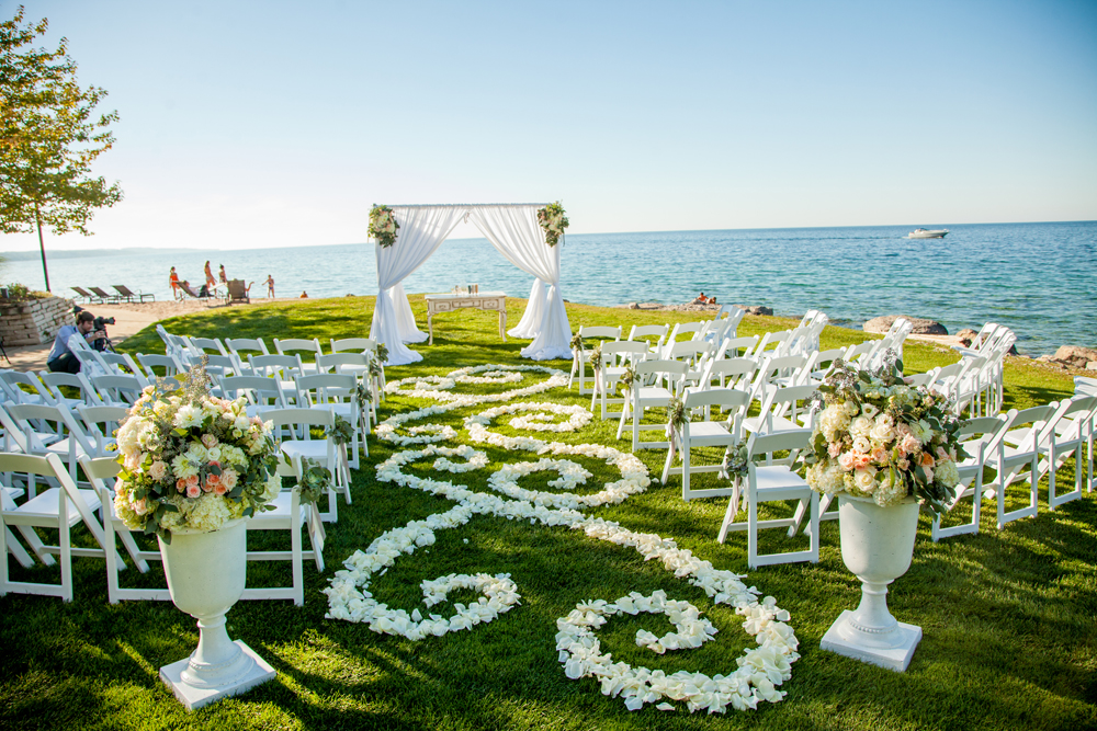 Aisle Decor | Flower Petals | Lake Michigan Wedding | Tableau Events