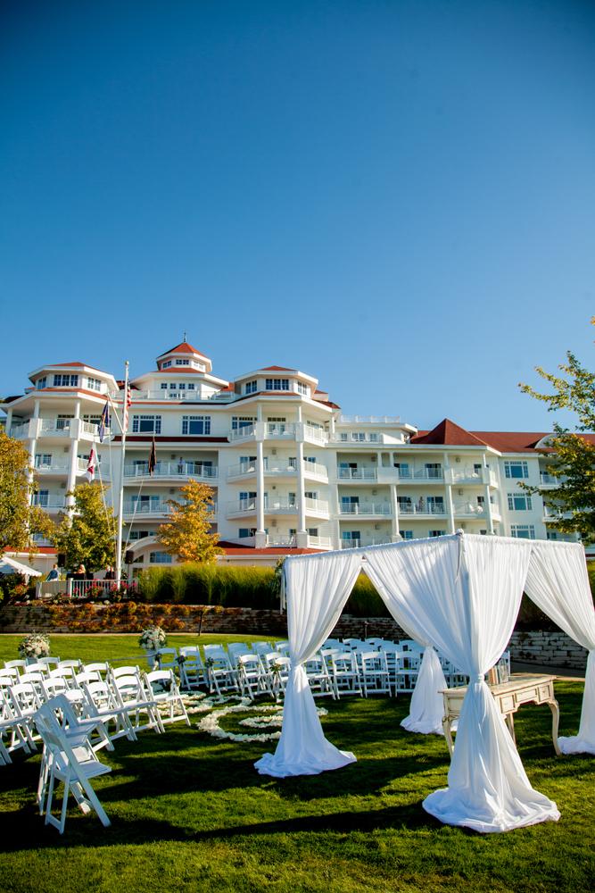 Ceremony Location | Alter Decor | Summer Wedding | Tableau Events