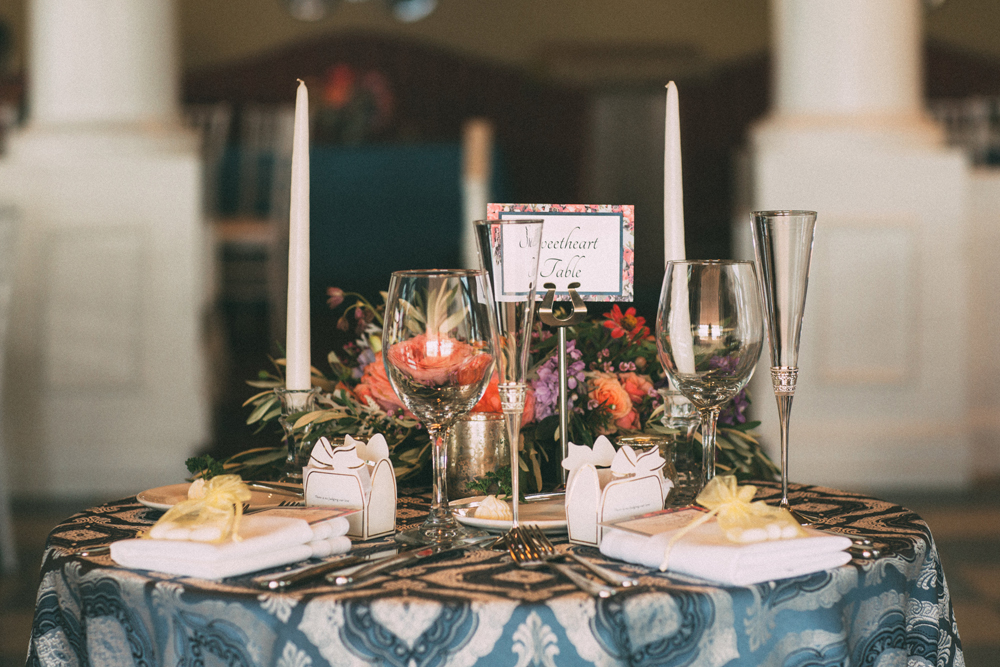 Patterned Table Cloth | Sweetheart Table | Tableau Events