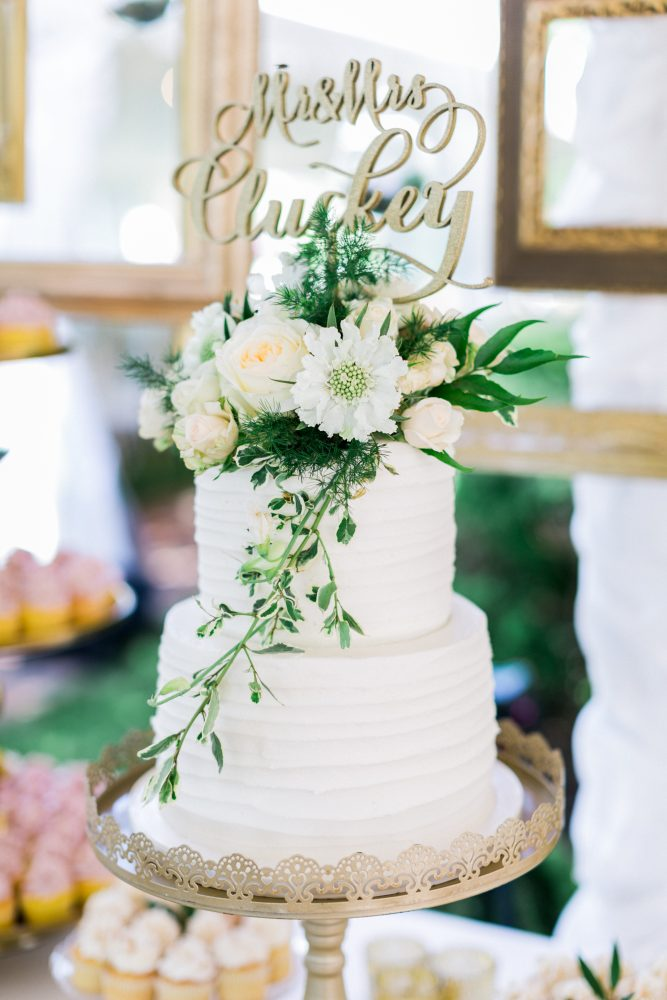 Wedding Cake Flowers | Bloom Floral Design | Simply Sweet by Jessica | Northern Michigan Wedding Planning | Tableau Events