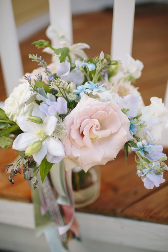 Simple Floral Bouquet | Bloom Floral Design | Northern Michigan Wedding | Tableau Events