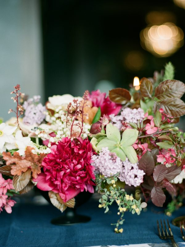 Wedding Table Arrangement | Northern Michigan Wedding | Bloom Floral Design | Tableau Events
