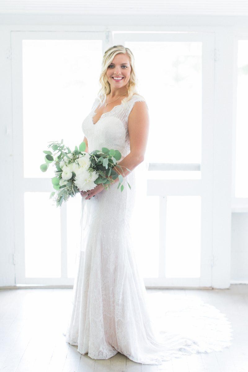 Simple Northern Michigan Wedding   Outdoor   Bright White