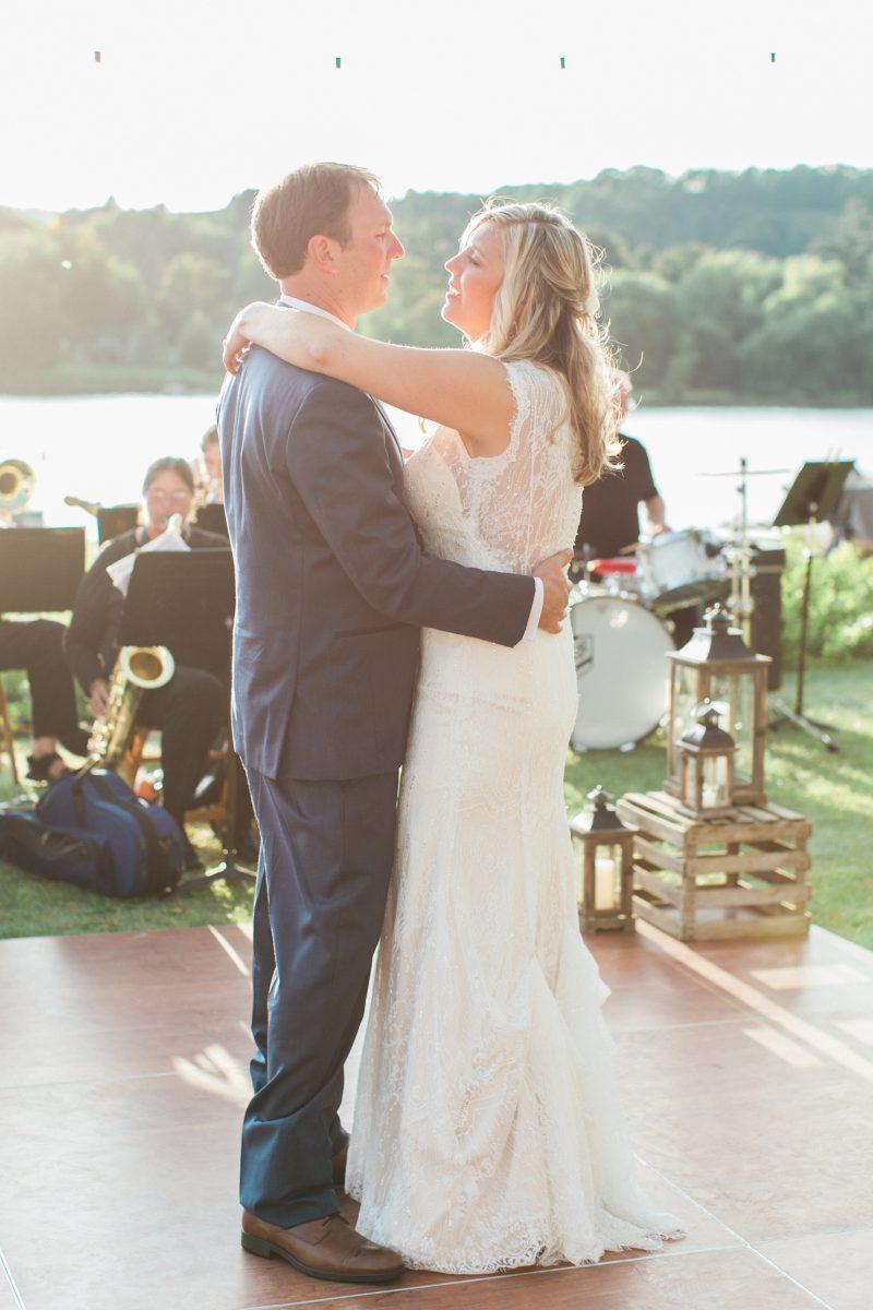 Live Music | Open Dance Floor | Outdoor Lake View Wedding